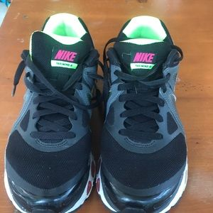 Nike Shoes - Nike Running Sneaker Flywire Tailwind 4 IV Airmax